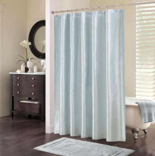 Hình ảnh minh họa: Phòng tắm lung linh với rèm nhựa