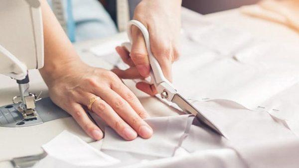 cắt vải may rèm